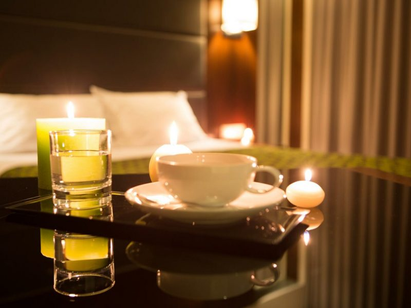 hotel-room-VMF28RA.jpg